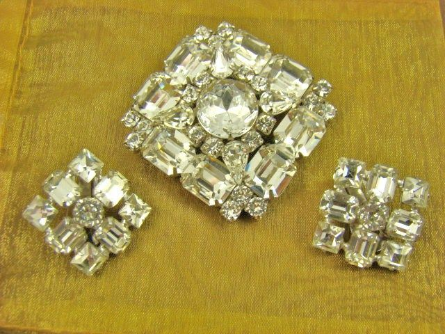 Phenomenal Weiss Clear Rhinestone Brooch and Earrings ~ Evening ~ 1950s