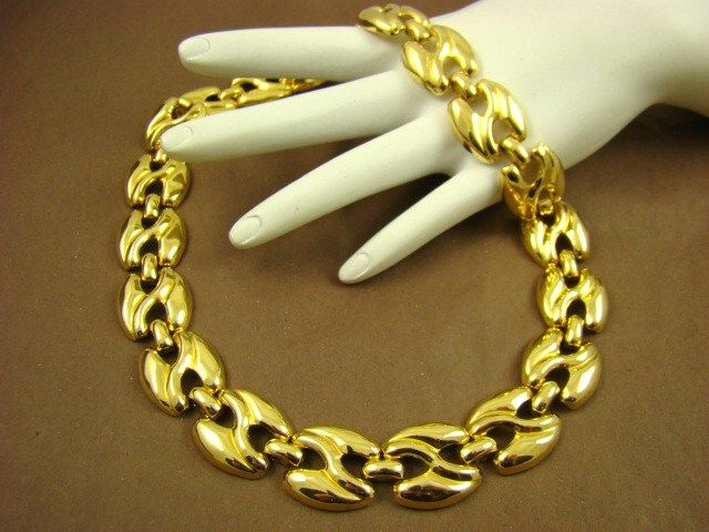 Polished Gold Tone Link Necklace