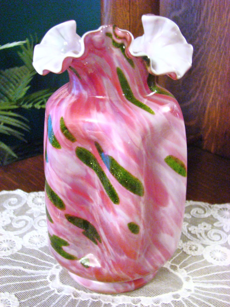 Fenton Vasa Murrhina Rose Adventurine ~ Connoisseur Collection 1989 ~  Pinch Vase