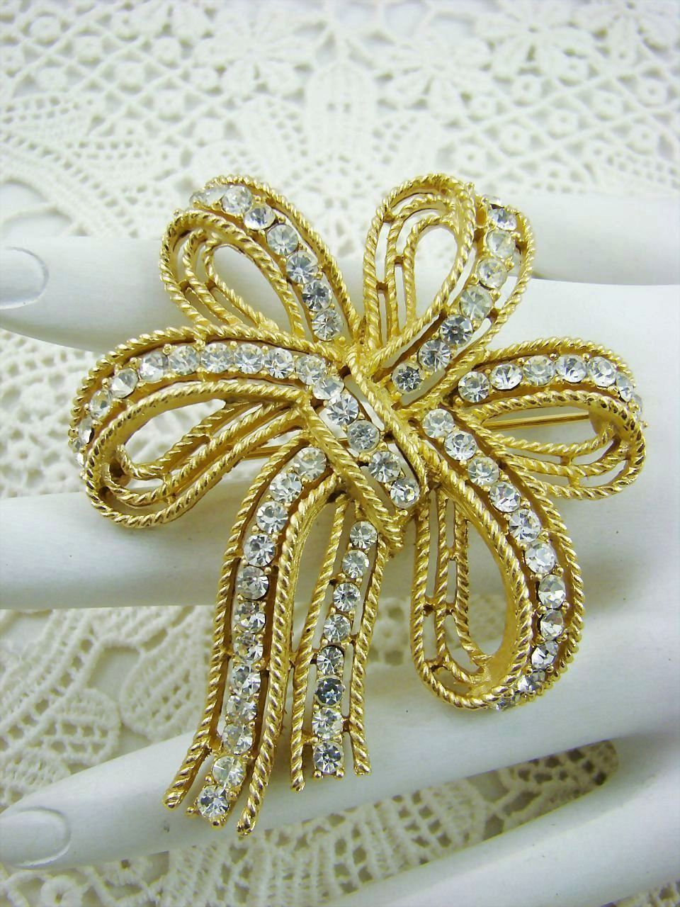 Exquisite Crown Trifari Sparkling Rhinestone Bow Brooch