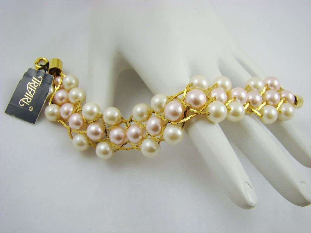 Vintage Trifari Bracelet with Original Tag ~ Imitation Pearl