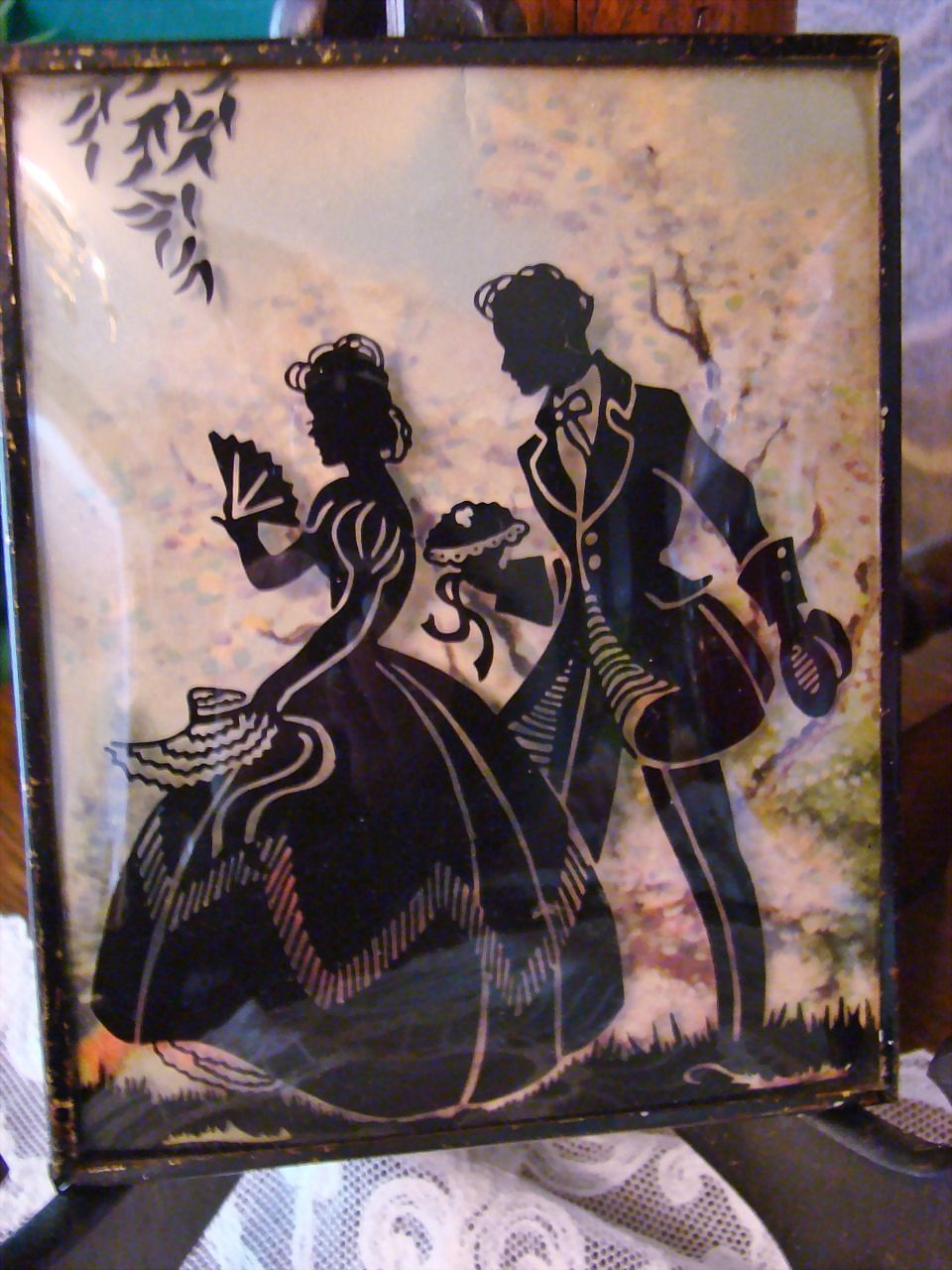 Garden Lovers Romantic Reverse Painted Silhouette Picture