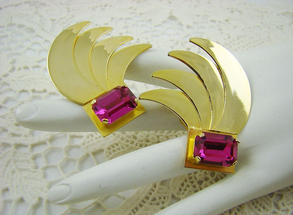 Fuchsia Rhinestone Runway/Showgirl Earrings ~ Art Deco Style