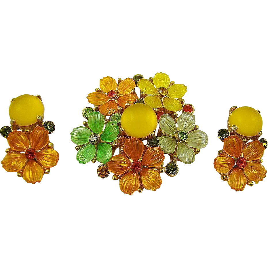 Stunning Molded Glass Fruit Salad Brooch and Earrings