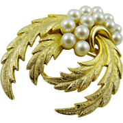 Imitation Pearl and Satin FInished Gold Tone Frnds