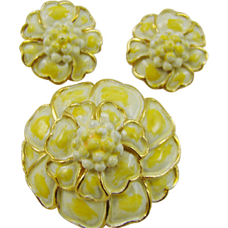 Pale Yellow Hollycraft Demi Parure