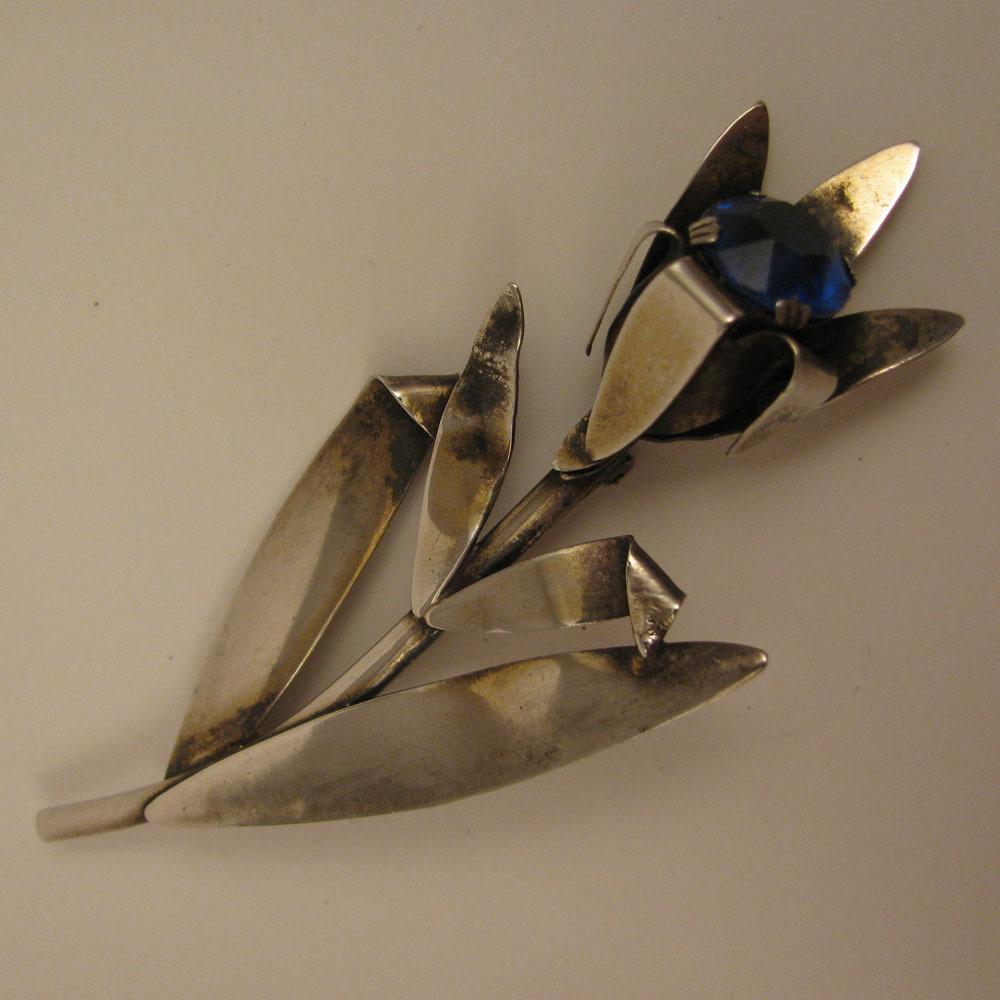 1940s Vintage Sterling Silver Blue Rhinestone Flower Brooch