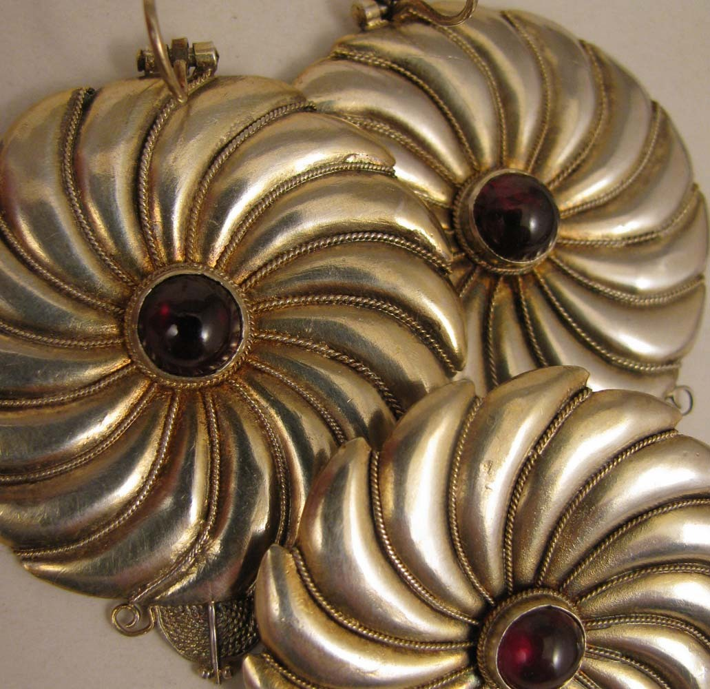 Vintage Sterling Silver Garnet Brooch plus Pierced Earrings Pinwheel Set
