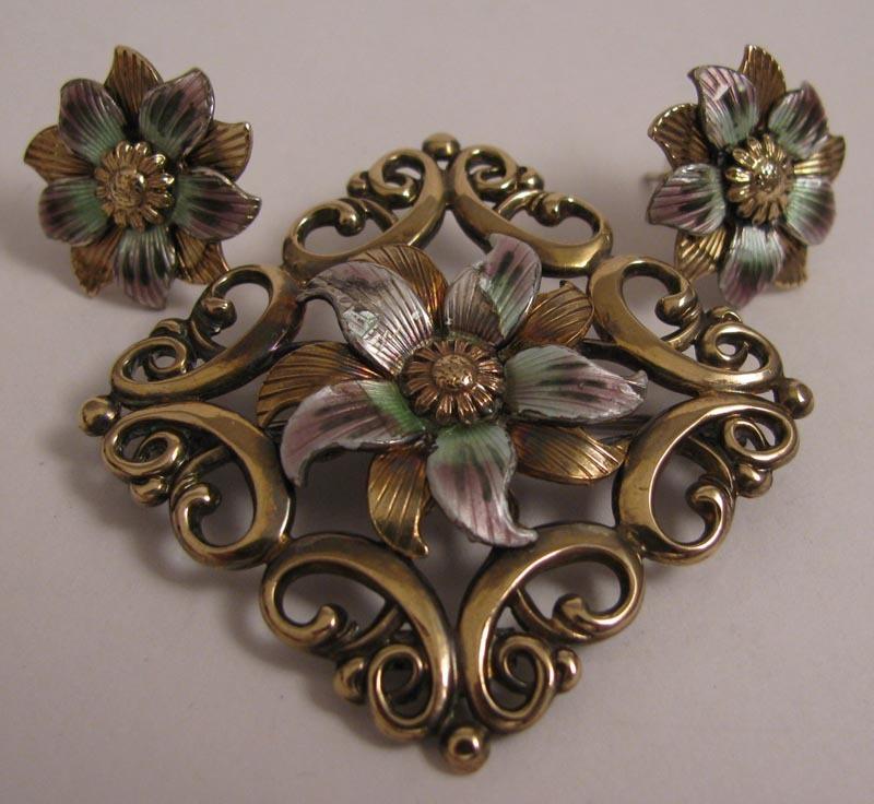 W. E. Richards Symmetalic Sterling Silver Vermeil Enameled Brooch & Earrings Parure Set