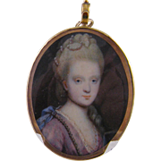 Antique English  1700'S MINIATURE PORTRAIT of A Beautiful Woman of the Court in Gold Gilt Pendant Frame