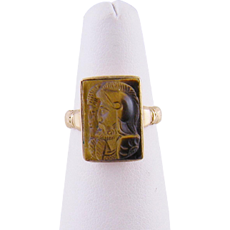 Antique Victorian 10 Karat Gold  CARVED AGATE Double Cameo Ring