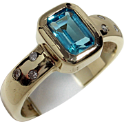 Charming Vintage 9ct Gold Blue Topaz & Diamond Ring