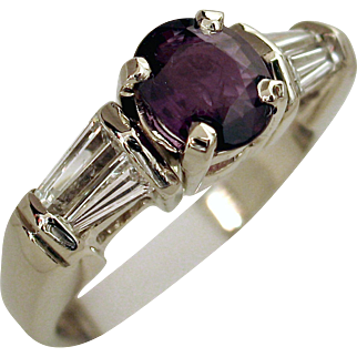 Beautiful 1.28ctw Natural ALEXANDRITE and Diamond Ring