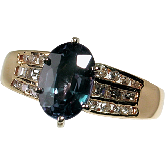 Amazing 14kt Natural Diamond and LAB Alexandrite Ring