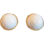 Vintage Sarah Coventry white plastic with  gold tone trim button clip earrings