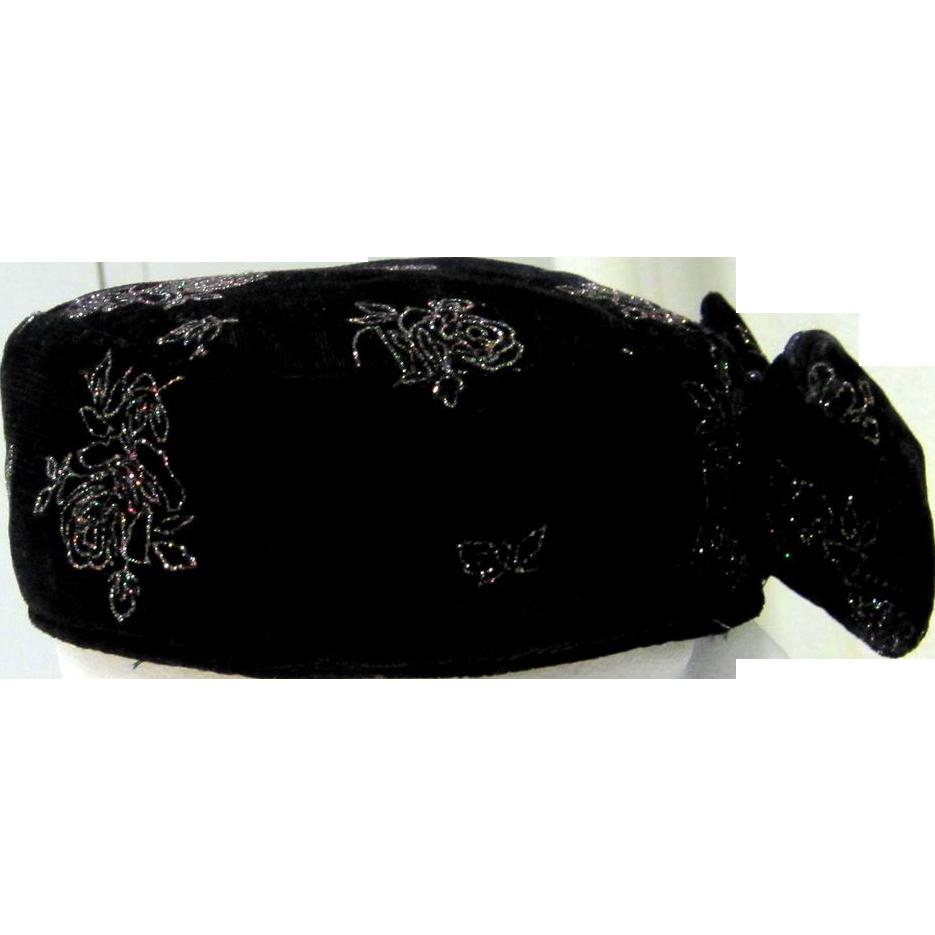 SALE 50% Black velvet vintage hat with bow