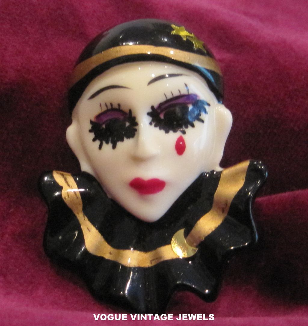 Vintage enamel clown face pin