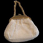 Vintage Whiting & Davis small white alumesh purse