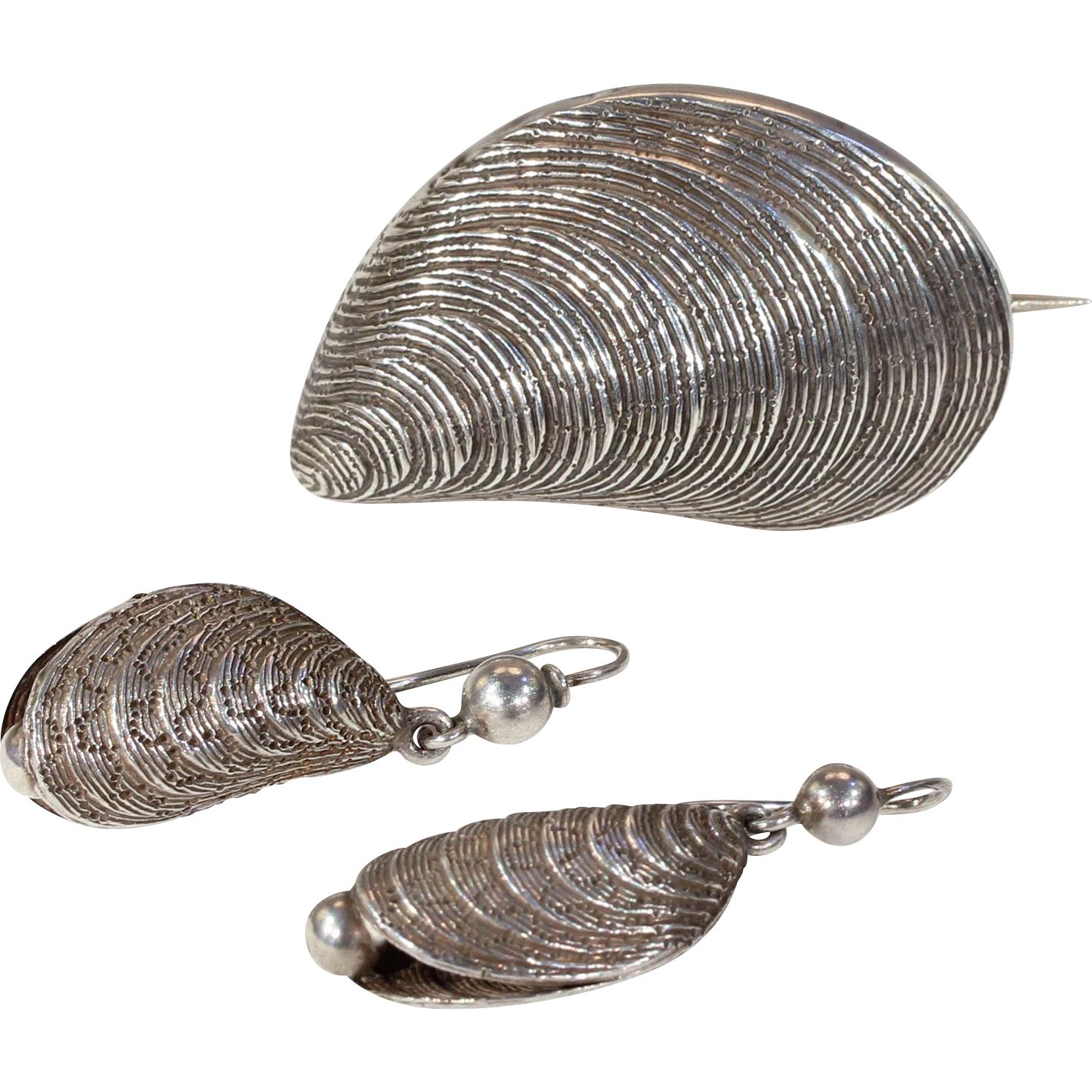 Victorian 3 Piece Set of Silver Mussels Earrings Brooch