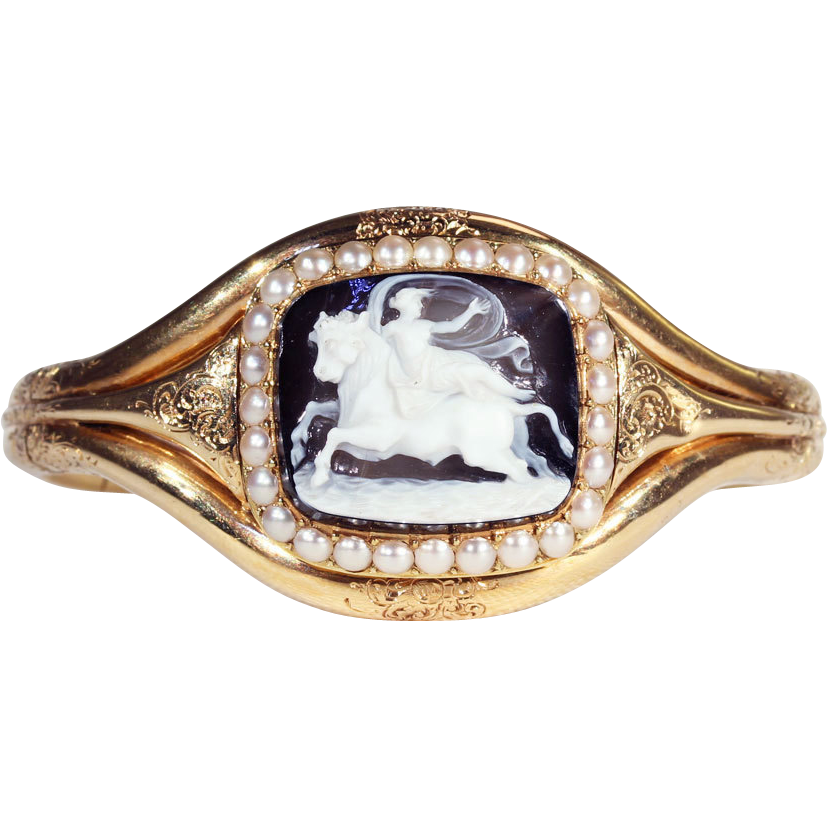 Fantastic Antique Hard Stone Cameo Bangle Bracelet in Fitted Box, French c. 1860