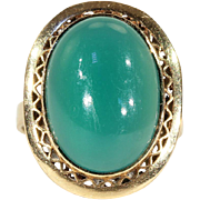 Vintage Japanese Ring with lovely Green Chalcedony Stone in 18k Gold