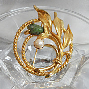 Vintage Jade Pearl Brooch. Jade Garden. Cultured Pearl. Sarah Coventry. Nephrite.