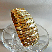 Vintage Expansion Bracelet. 1950s. Gold Tone. Wide. Japan.