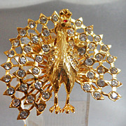 Vintage Peacock Brooch. Gold Tone. Clear Rhinestone. Bird Pin.