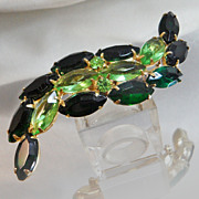Vintage Rhinestone Brooch. Large Juliana Style Swoop Pin. Two Tone Emerald Green Rhinestones. Peridot Rhinestones.