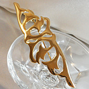 Vintage Modernist Brooch. Huge. Ginnie Johansen. Shiny Gold Tone. Abstract. Waves Crashing.