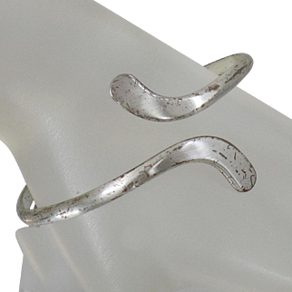 Vintage Otto Robert Bade Sterling Silver Bypass Bracelet. Sleeping Beauty. Mexico. Sterling Silver.