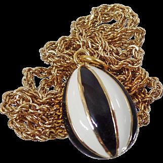 Vintage Black, White, Gold Enamel Pendant Necklace. Mod Black White Enamel Oval Pendant Necklace.