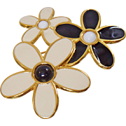Vintage Cream Black White Flower Brooch. Monet. Enamel Flower Cluster Pin.