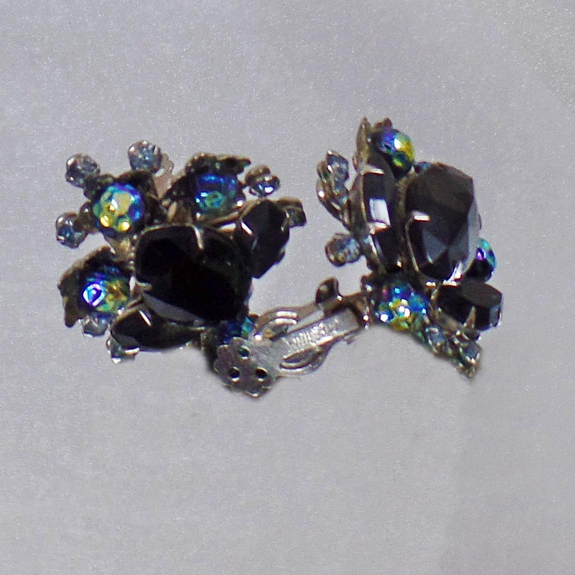 Roll Over Large Image To Magnify, Click Large Image To Zoom Change  Background Expand Description These Vintage Black Rhinestone Earrings