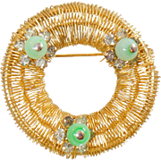 Vintage Weiss Gold Wire Wreath Brooch. Weiss Green Art Glass Rhinestone Pin.
