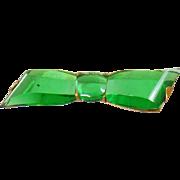 Vintage Art Deco Green Glass Bow Brooch. Three Stone Glass Rhinestone Bow Pin.