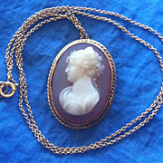 Vintage 14K Yellow Gold Carved Hardstone Cameo Pendant Chain Necklace Psyche
