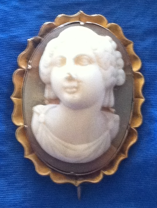 Antique Victorian 15K High Relief Carved Full Face Cameo Brooch Hera