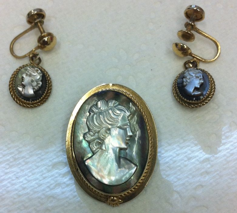 Vintage Gold Filled Hand Carved Mother of Pearl Cameo Pendant Earrings Suite