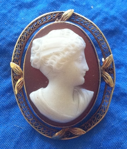 Antique Edwardian 14K Gold Filigree Hardstone Cameo Brooch Psyche