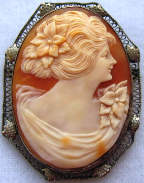 Vintage Art Deco Sterling Silver Filigree Carved Shell Cameo Brooch