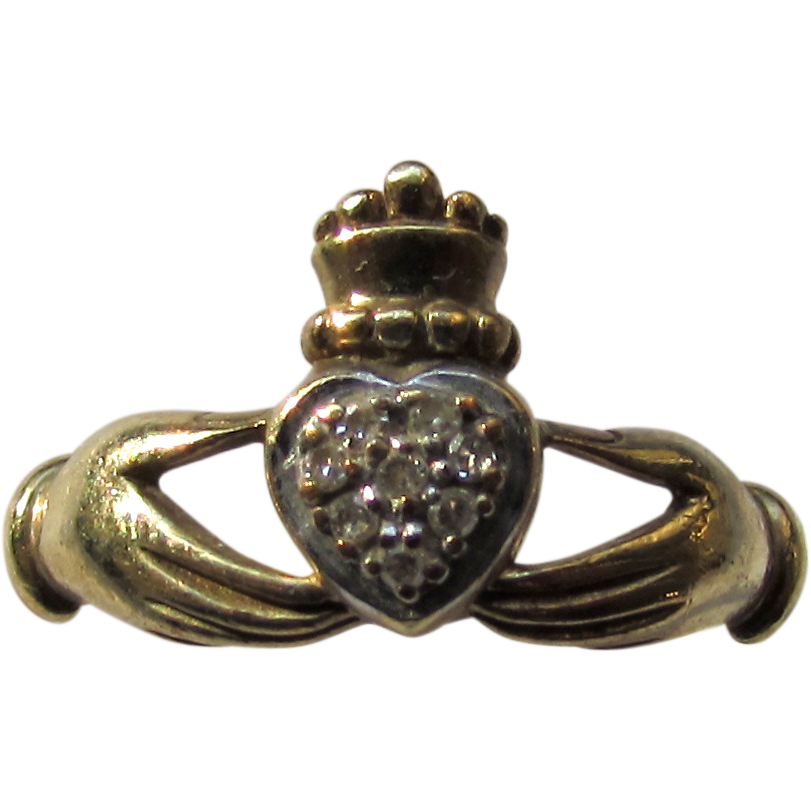 Vintage Diamond 9K Yellow Gold Irish Claddagh Fede Ring Hands Hold Crown