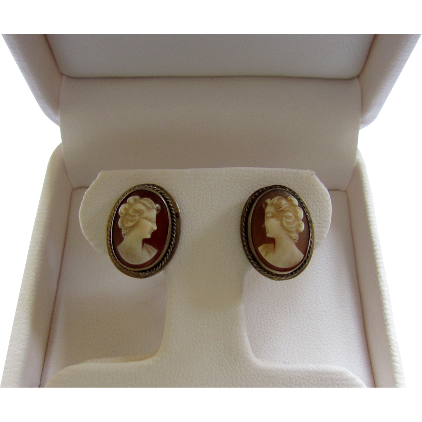Vintage 830 835 Silver Vermeil Hand Carved Shell Cameo Cameo Earrings