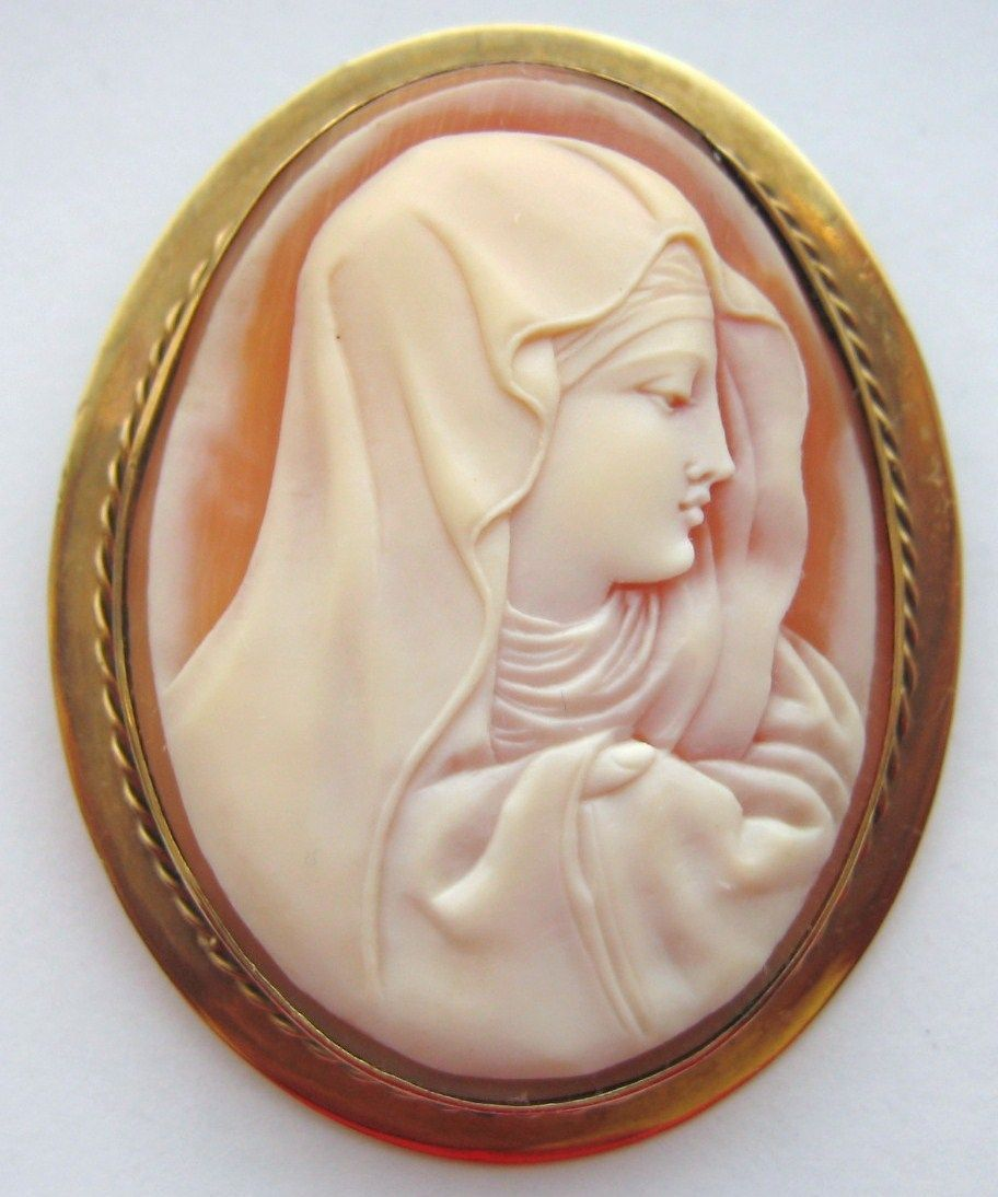 Antique Victorian 14K Yellow Gold Shell Cameo Brooch Madonna