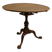 Philadelphia Chippendale Walnut Dish-top Tea Table