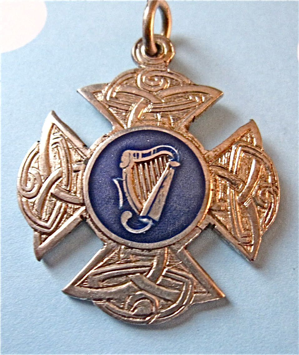 Vintage Irish Hallmark Sterling Silver Irish Harp Celtic Knot Fob Medal 1945