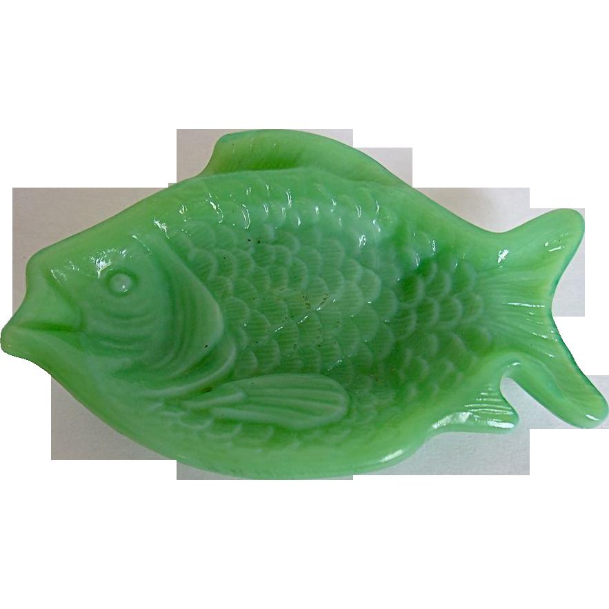 Vintage akro agate slag glass jade green dish fish shaped for Fish shaped bowl