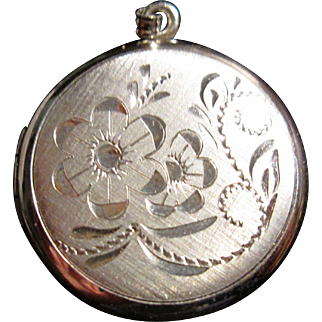 Vintage Sterling Locket Floral Design