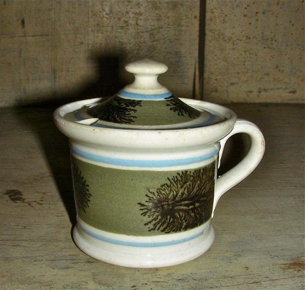 Seaweed or Dendritic Decorated Mocha Ware Mochaware Mustard Pot w/ Lid, c. 1840