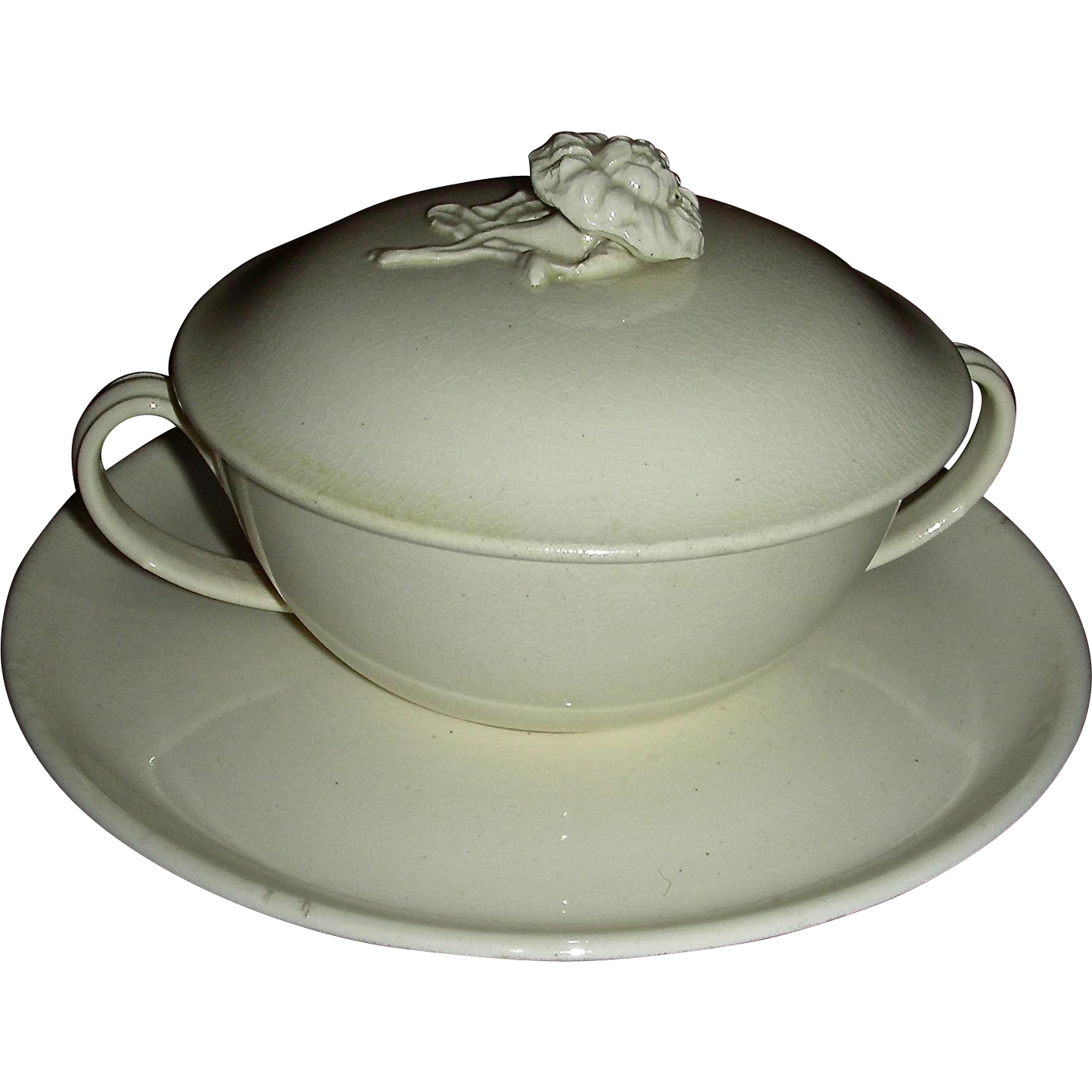 Rare English Creamware Covered Trembleuse, c. 1800